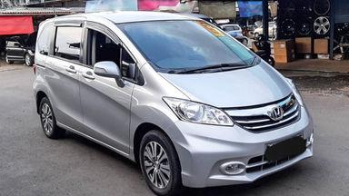 2014 Honda Freed PSD - Mobil Pilihan (s-1)