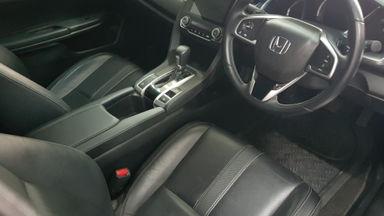 2017 Honda Civic E - Turbo (s-2)