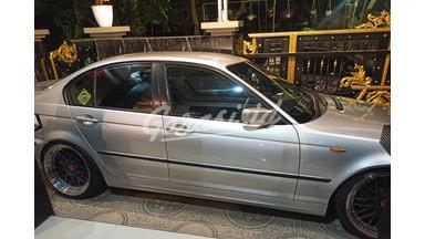 2003 BMW 3 Series 325i - Bekas Berkualitas