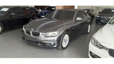 2018 BMW 320i Luxury - Mobil Pilihan