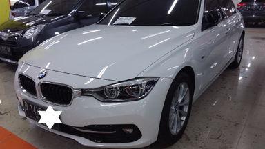 2016 BMW 3 Series 320i sportline - Full Orisinal & Mulus Terawat