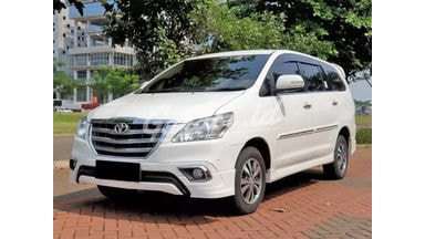 2015 Toyota Kijang Innova V Luxury - Mobil Pilihan