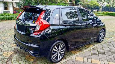 2017 Honda Jazz RS - Mobil Pilihan (s-3)
