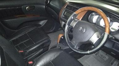 2013 Nissan Grand Livina 1.5 - Istimewa Seperti Baru (s-4)