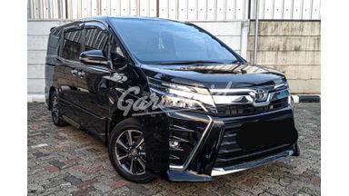 2017 Toyota Voxy 2.0 - Siap Pakai