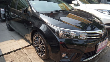 2015 Toyota Corolla V Altis - Good Condition