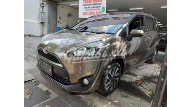 2016 Toyota Sienta v