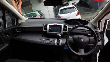 2013 Honda Freed PSD 1.5 AT AC DOUBLE - Barang Istimewa Dan Harga Menarik (s-6)
