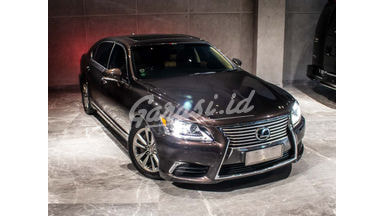 2014 Lexus LS 460L - Top Condition