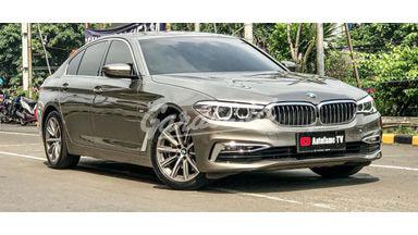 2018 BMW 520i LUXURY G30 CKD