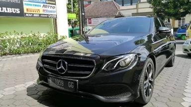 2016 Mercedes Benz E-Class E 300 CBU AT - Fitur Mobil Lengkap Low Km