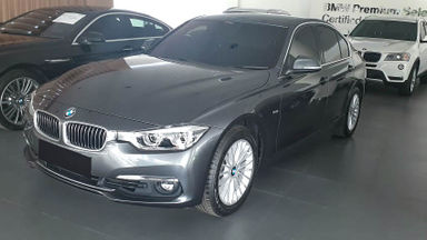 2018 BMW 3 Series 320i Luxury F30 - Mobil Pilihan