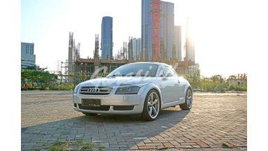 2003 Audi TT .