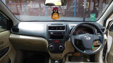 2012 Daihatsu Xenia R DELUXE 1.3 - Warna Favorit, Harga Terjangkau (s-9)