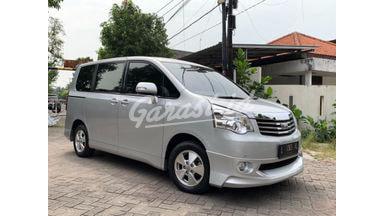 2013 Toyota Nav1 V 2,0 AT