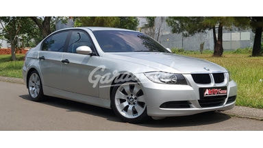 2005 BMW 3 Series 320i - Favorit Dan Istimewa