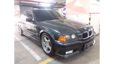 1993 BMW 3 Series 318i - Istimewa Kondisi Luar Biasa