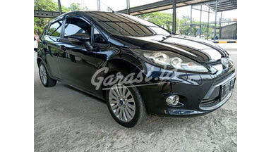 2013 Ford Fiesta Trend - SIAP PAKAI!