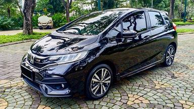 2017 Honda Jazz RS - Mobil Pilihan (s-0)