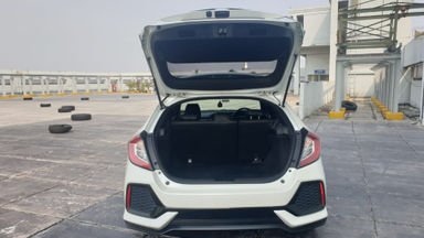 2017 Honda Civic Turbo 1.5 Hatchback S - Harga Bisa Digoyang (s-4)