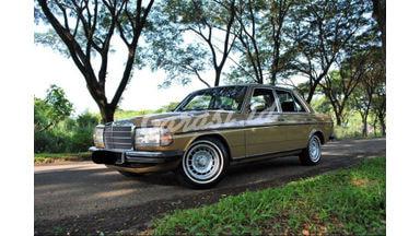 1979 Mercedes Benz CL 230 MT - Siap Pakai