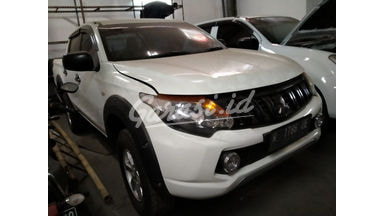 2016 Mitsubishi Strada Triton mt - Mulus Siap Pakai