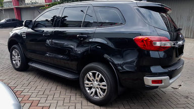2016 Ford Everest Trend 4x2 - Mobil Pilihan (s-1)