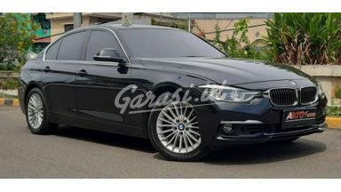 2018 BMW 3 Series 320i LUXURY - Mobil Pilihan
