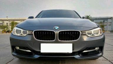 2013 BMW 3 Series 320i - istimewa