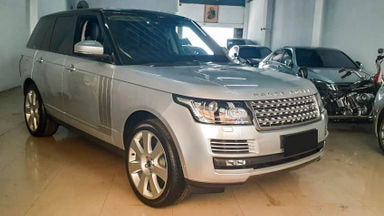 2013 Land Rover Range Rover Vogue 5.0 AB - Mobil Pilihan