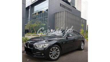 2016 BMW 320i Sport F30 - Mobil Pilihan