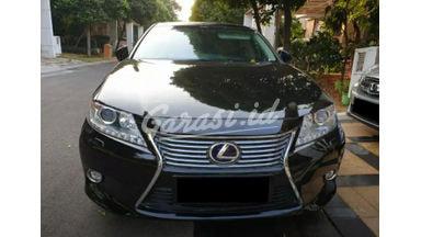 2014 Lexus ES 300 - Mobil Pilihan
