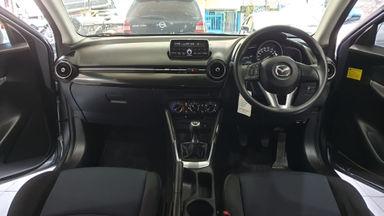 """2014 Mazda 2 R Skyactive - Thn 2014/ Pmk'15 Silver """"KM 55rb Record"""" (s-9)"""