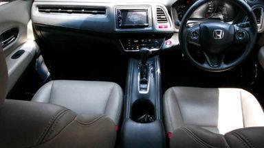 2015 Honda HR-V E 1.5 - Mobil Pilihan (s-4)