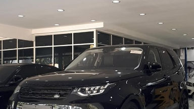 2017 Land Rover Range Rover Discovery 5 HSE - Istimewa