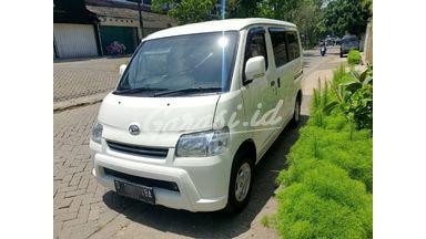 2015 Daihatsu Gran Max D - Mobil Pilihan