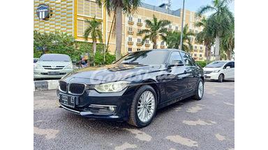 2013 BMW 3 Series 320i F30 Luxury