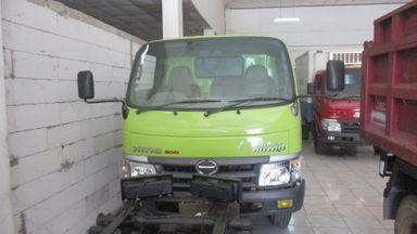 2011 Hino Dutro 300 110 SD - Siap Pakai (s-2)