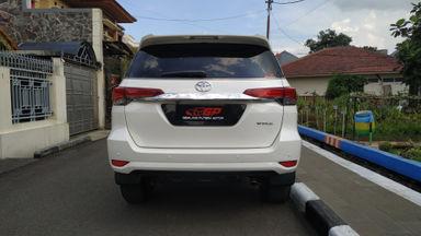 2016 Toyota Fortuner 2.4 VRZ DIESEL - A/T ISTIMEWA SIAP PAKAI (s-4)