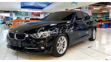2017 BMW 3 Series 320i Sport - Mobil Pilihan