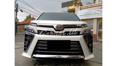 2018 Toyota Voxy 2.0 - Mobil Pilihan