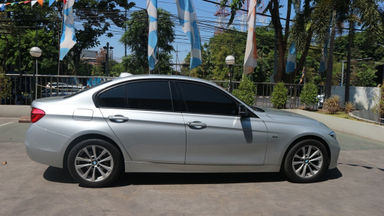 2016 BMW 3 Series 320I - Tdp Ringan (s-4)