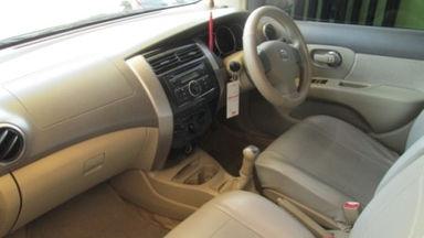 2009 Nissan Grand Livina xv - Kondisi Istimewa (s-7)