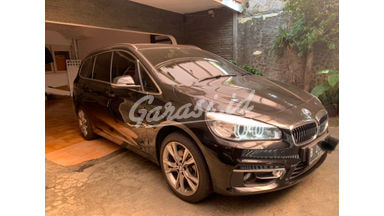 2015 BMW 218i gran tourer 7 seter - Low Km full original like new