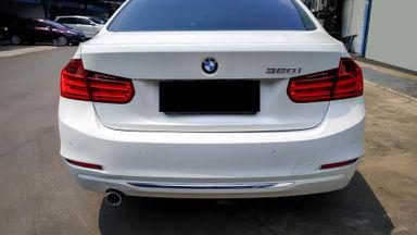 2014 BMW 3 Series 320i Luxury - Mobil Pilihan (s-3)