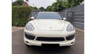 2012 Porsche Cayenne S - LIKE NEW!!