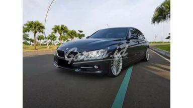 2014 BMW 328i AT - Mobil Pilihan