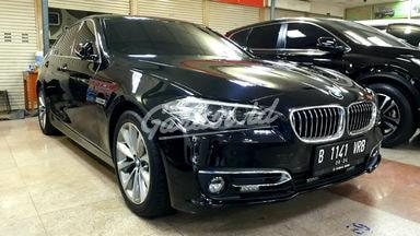 2016 BMW 5 Series Luxury - Mobil Pilihan