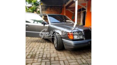1991 Mercedes Benz E-Class E