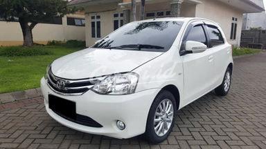 2015 Toyota Etios Valco 1.2 E - Mobil Pilihan